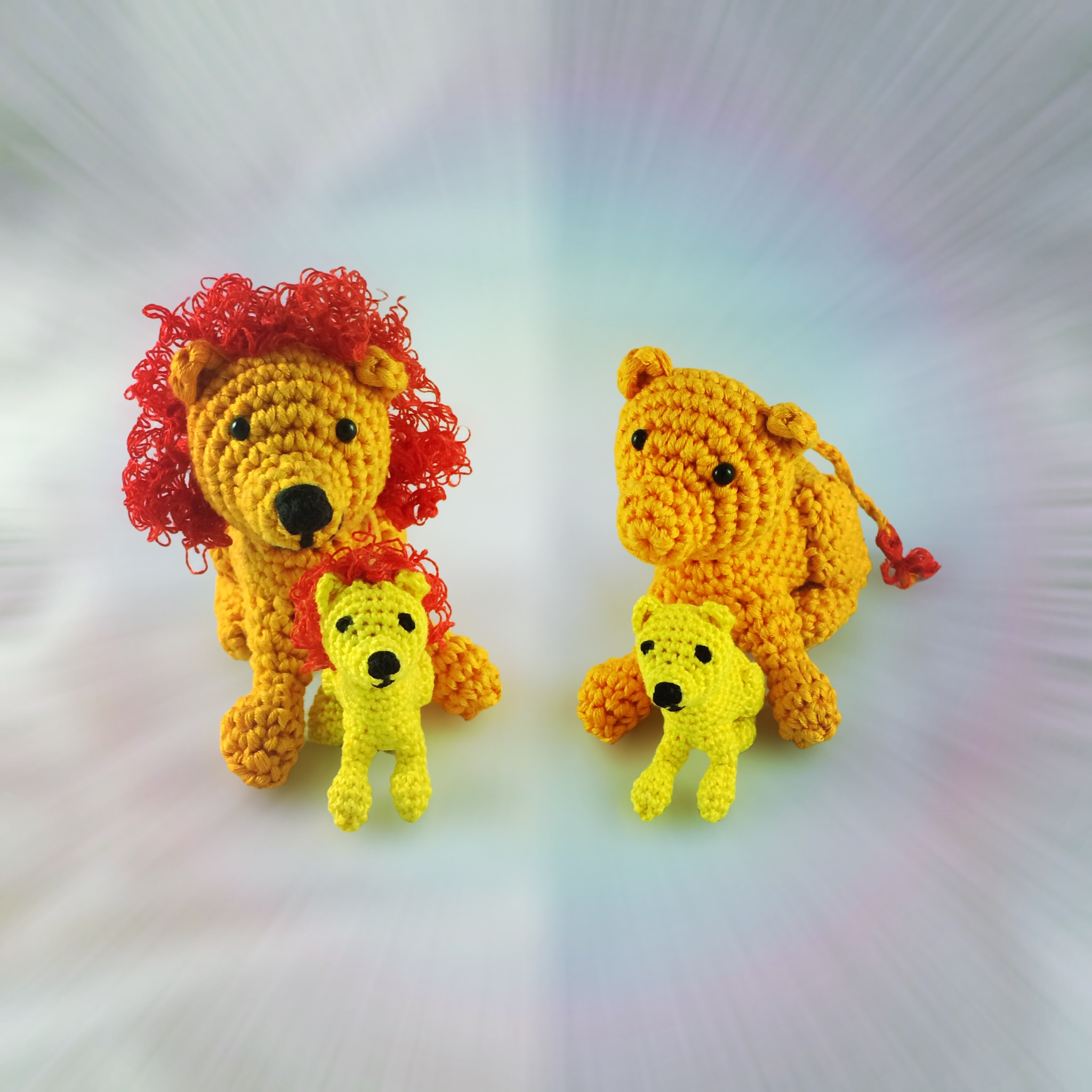 Free Crochet Pattern: Lion Father and Son (or Mother and Daughter)