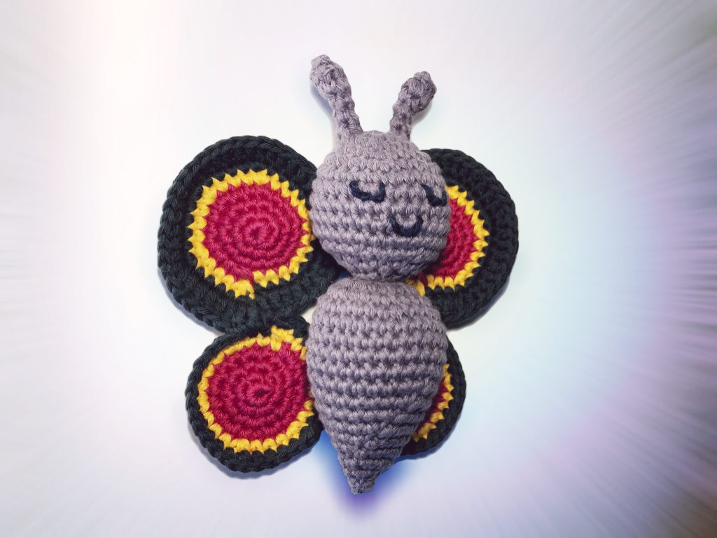 How to crochet a sweet butterfly amigurumi